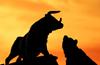 VN-Index giằng co quanh mốc 1.010 điểm, cổ phiếu Khu công nghiệp tiếp đà bứt phá