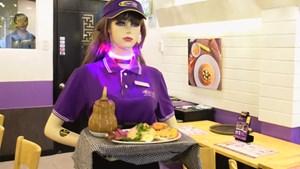 Lên ôtô vắng bóng tài xế, vào nhà hàng không người phục vụ