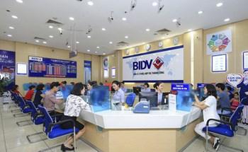 Giao dịch liên ngân hàng tăng cao dịp cuối năm, lãi suất vay VND rẻ hơn nhiều so với mượn USD