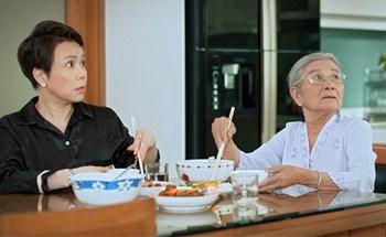 """Việt Hương: """"Làm ba tập phim mất 1 tỷ 78 triệu mà 3 tháng trời Youtube trả nhỏ giọt cho được vài triệu"""""""