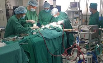 Hàng chục người đăng ký hiến phổi cứu phi công người Anh
