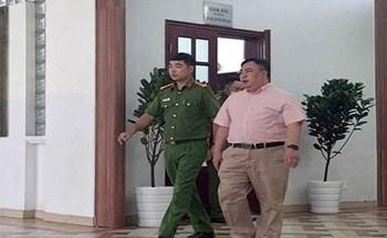 """Cựu lãnh đạo BV Mắt TPHCM """"làm xiếc đấu thầu"""", gây thiệt hại 14 tỷ đồng"""