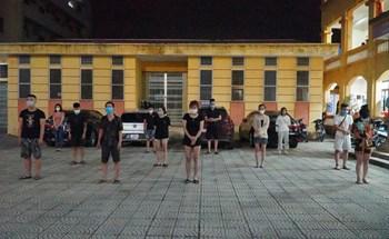 Giữa tâm dịch Bắc Ninh, 11 thanh niên tụ tập bay lắc trong khách sạn