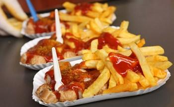 Xúc xích sốt cà ri - huyền thoại của ẩm thực Đức