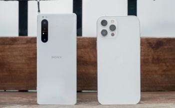 Sony Xperia 1 II đọ dáng iPhone 12 Pro Max: 30 triệu chọn smartphone nào?
