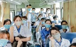 Hơn 100 tình nguyện viên Y Dược Thái Nguyên chi viện Bắc Giang đẩy lùi COVID-19