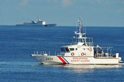 Tàu hải cảnh Trung Quốc bị nghi quấy rối tàu Philippines, Manila