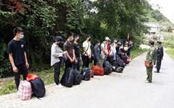 Nhập cảnh trái phép 'nhộn nhịp' vùng biên Hà Giang, chỉ một đồn đã bắt được 2.500 người
