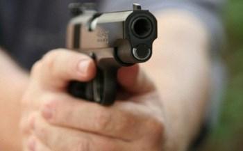 Thanh niên cầm súng hơi tự chế bắn thử khiến 1 người tử vong