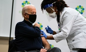 Vaccine hiệu quả cao chót vót giúp Mỹ ra quyết định lịch sử