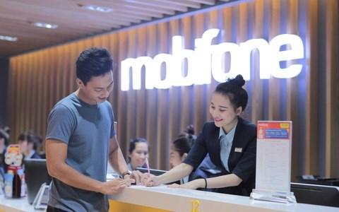 Nhiều số điện thoại MobiFone tại Đà Nẵng không liên lạc được tối 29-9 - Ảnh: TẤN LỰC