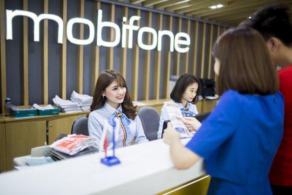MobiFone cho biết sẽ tặng gói cước xin lỗi, data hoặc cuộc gọi miễn phí, cho những thuê bao bị ảnh hưởng bởi sự cố chiều tối ngày 29-9-2020 - Ảnh: T.SƠN
