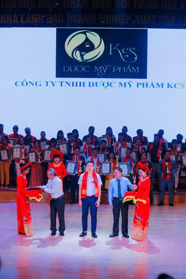 Mỹ phẩm KCS lọt top 10 Thương hiệu, nhãn hiệu nổi tiếng đất Việt năm 2020.